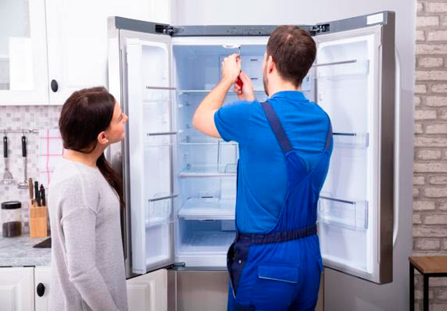 Проверка холодильники Хитачи при доставке